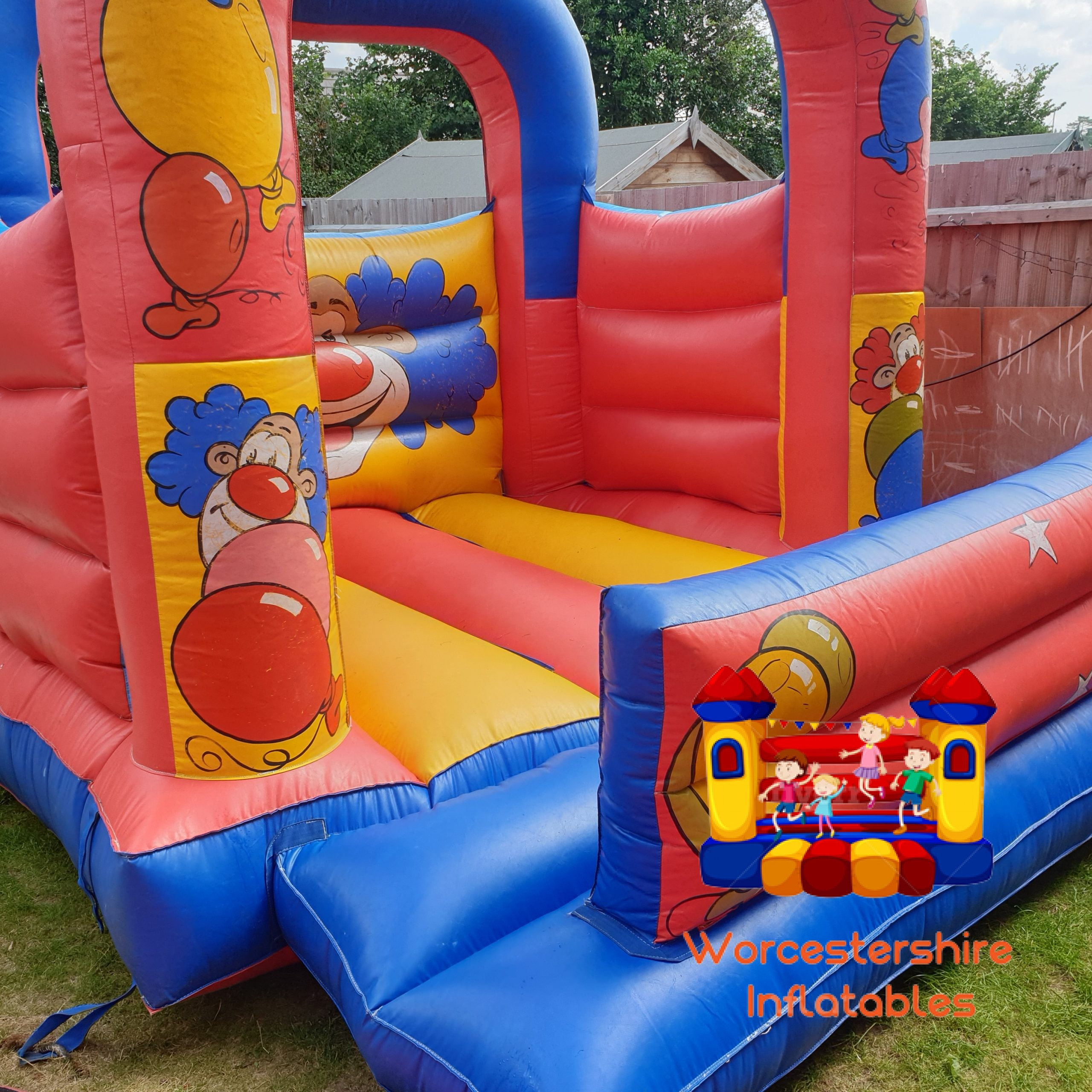 small garden castle - Worcestershire Inflatables